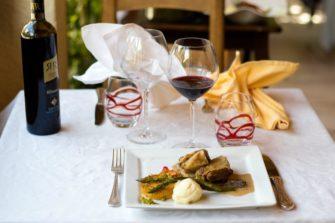 Lou Pebre d'Aï restaurant cuisine familiale Plan d'Aups La Sainte Baume Var Provence - Restaurant - Tourisme - massif sainte baume - Image 4